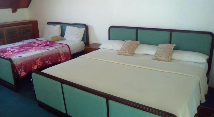 Family Double Room - Guestroom Red Rose