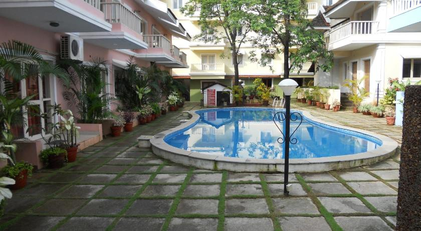 Swimming pool Goan Courtyard Apartments
