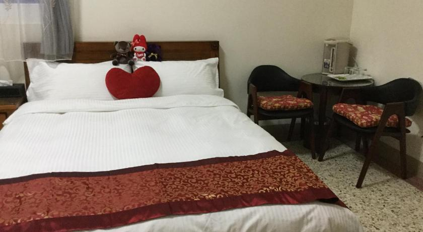 Double Room with Private Bathroom - Bed Cosy and Cute