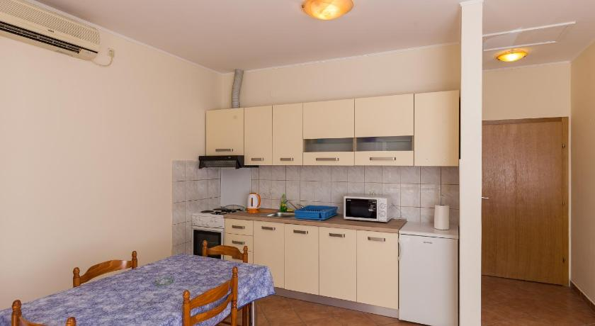 Apartments Braica