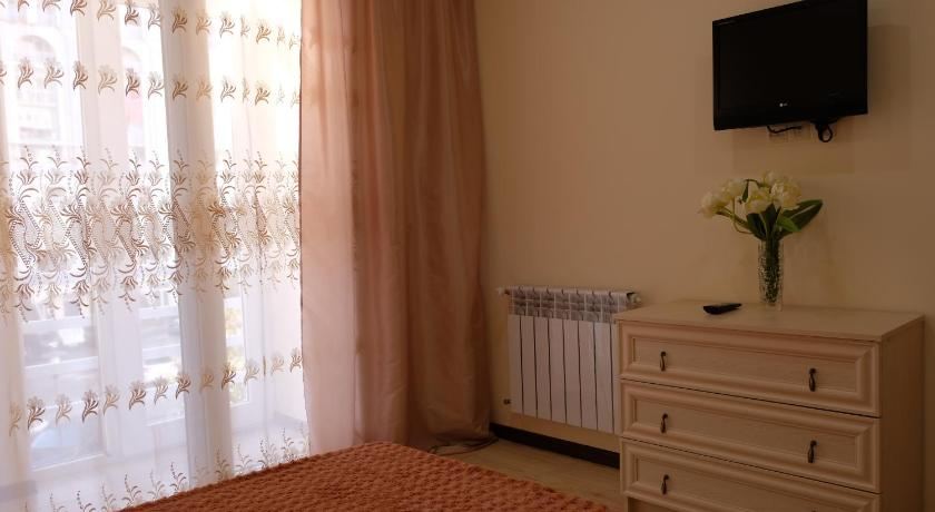 Apartment on Khimshiashvili Street 2