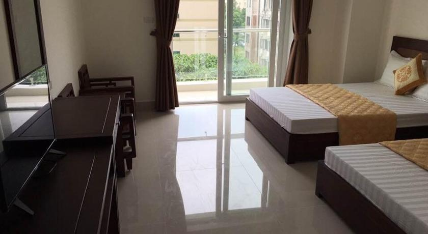 Quadruple Room with Balcony Trung Vinh Hotel