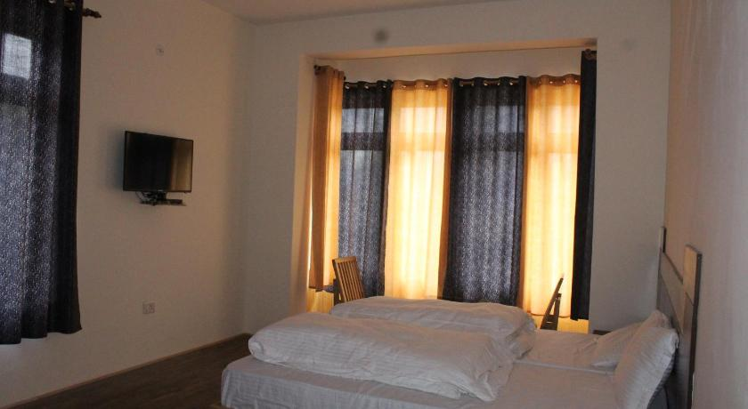 Deluxe Double or Twin Room Hotel kasdar Ladakh