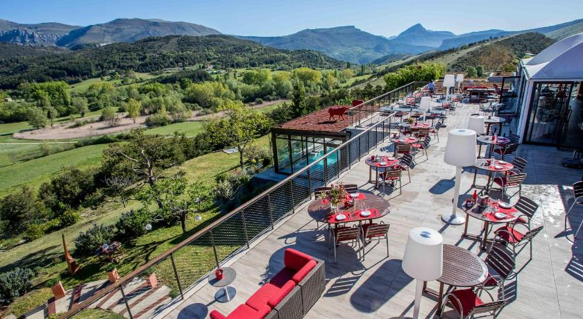 Best Price on Hotel & Spa des Gorges du Verdon - Chateaux et Hotels ...