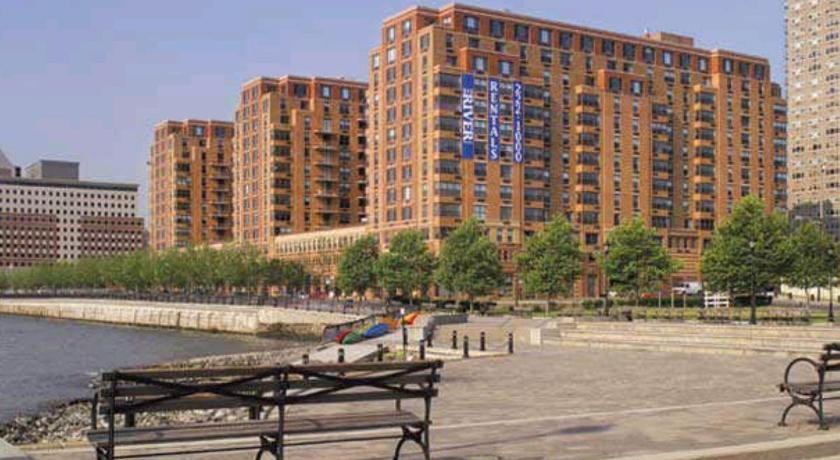 Mais sobre Bluebird Furnished Apartments in the Heart of Hoboken