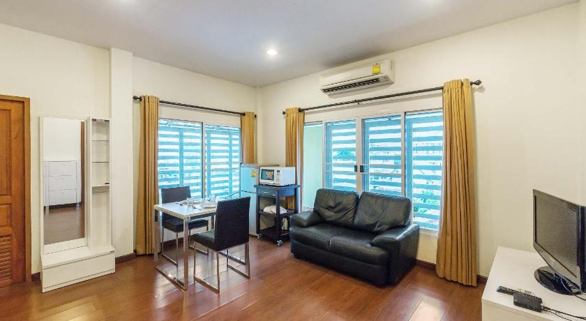Studio Apartment - Separate living room The Boonareya Court By Favstay