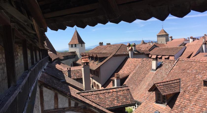 Das BnB Zimmer EG Bauernhaus Burg in Murten buchen