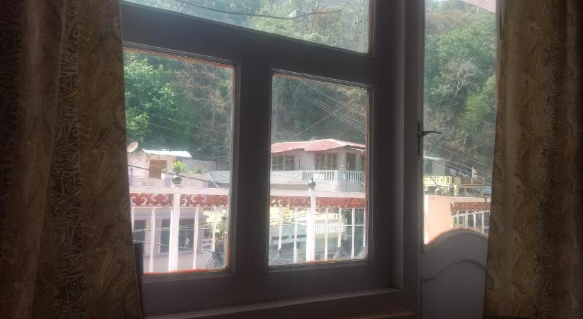 Budget Friendly Rooms Near Bhimtal Lake