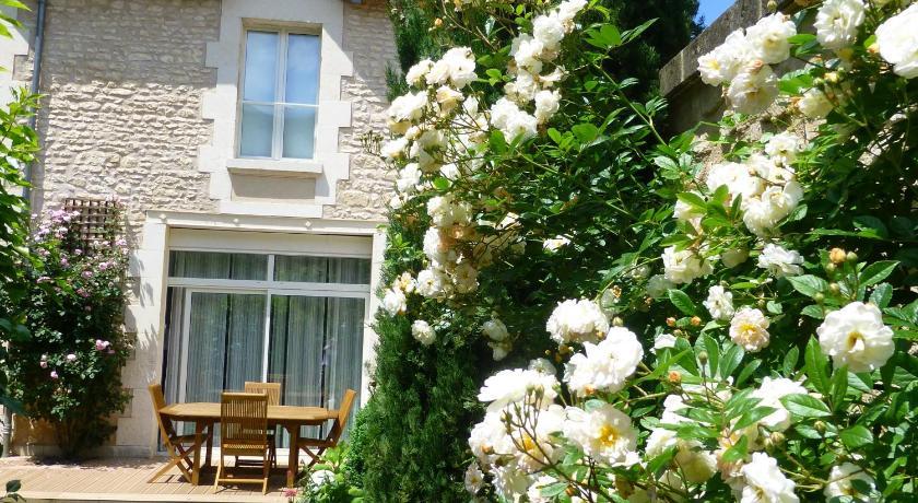 Gite jardin des roses r servez en ligne bed for Jardin lamartine