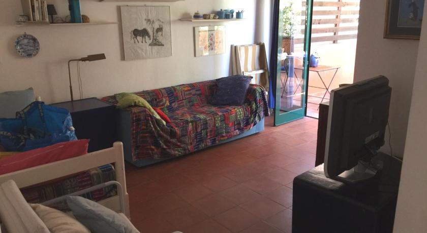 Best Price on Le Ginestre Casa con Terrazzo in Porto Ercole + Reviews
