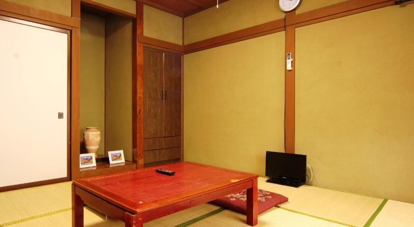 Japanese-Style Quadruple Room - Guestroom Guesthouse Tomoshibi