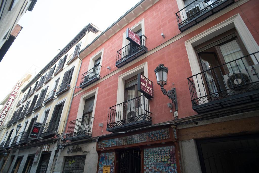 Book Hostal Bianco in Madrid b2af2762db1