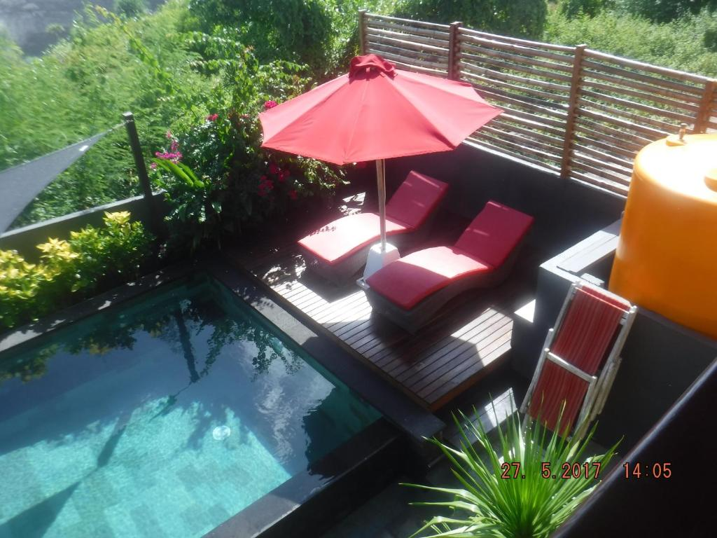 Swimming pool Ceningan Cool Breeze Villa