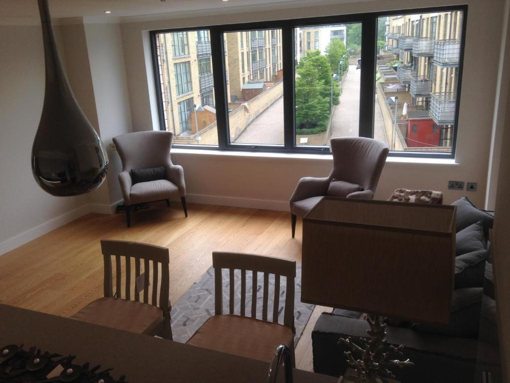 One-Bedroom Apartment Brentford Serviced Apartments Concord House
