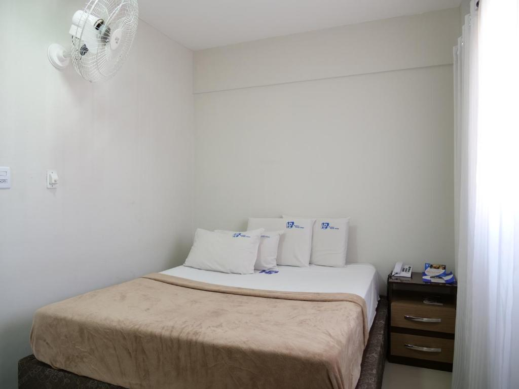 Studio with Shared Bathroom - Guestroom Paulista Center Hotel