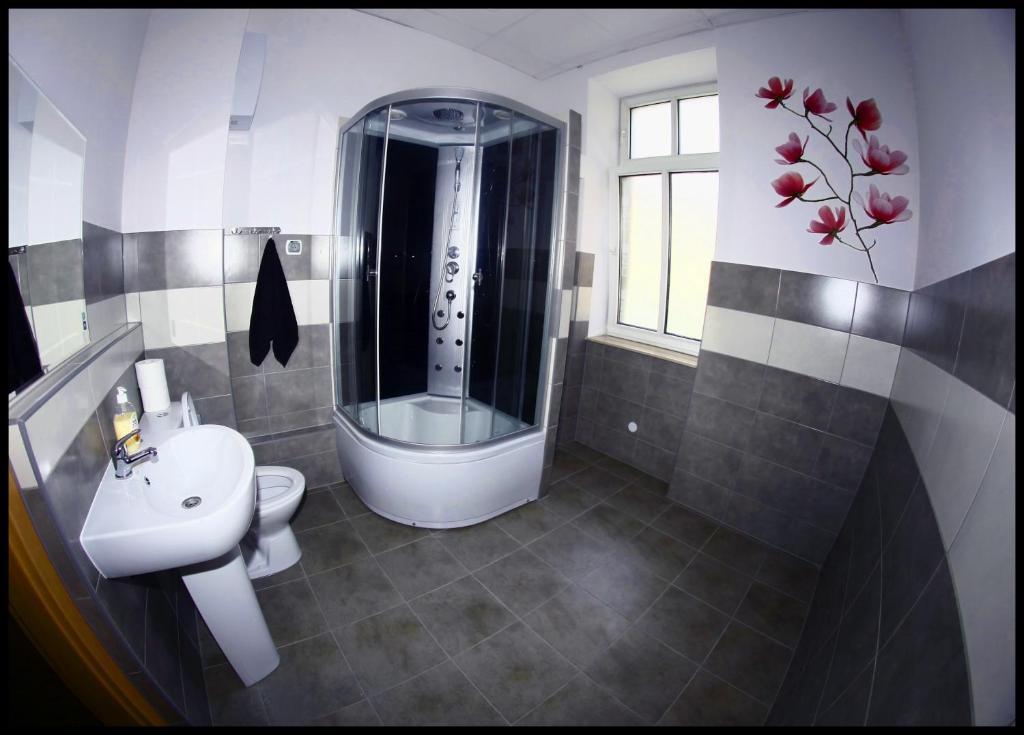 Hostel Katowice Centrum - Starting from 30 PLN - Hotel in