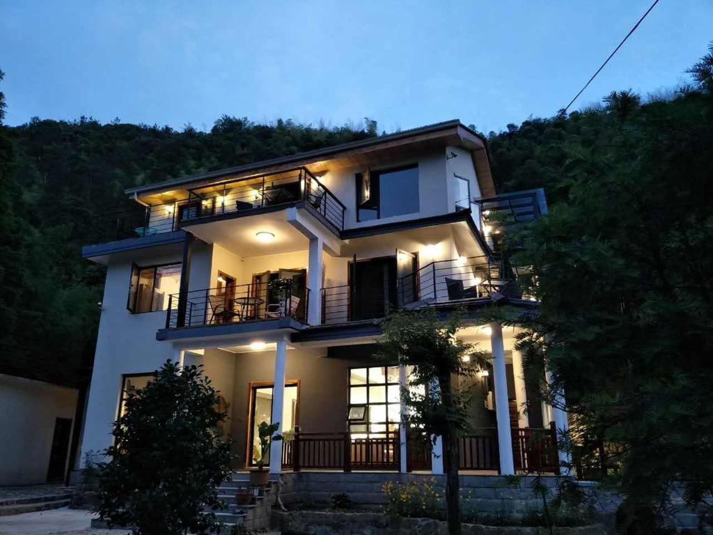 Mogan Mountain Fanye Hostel