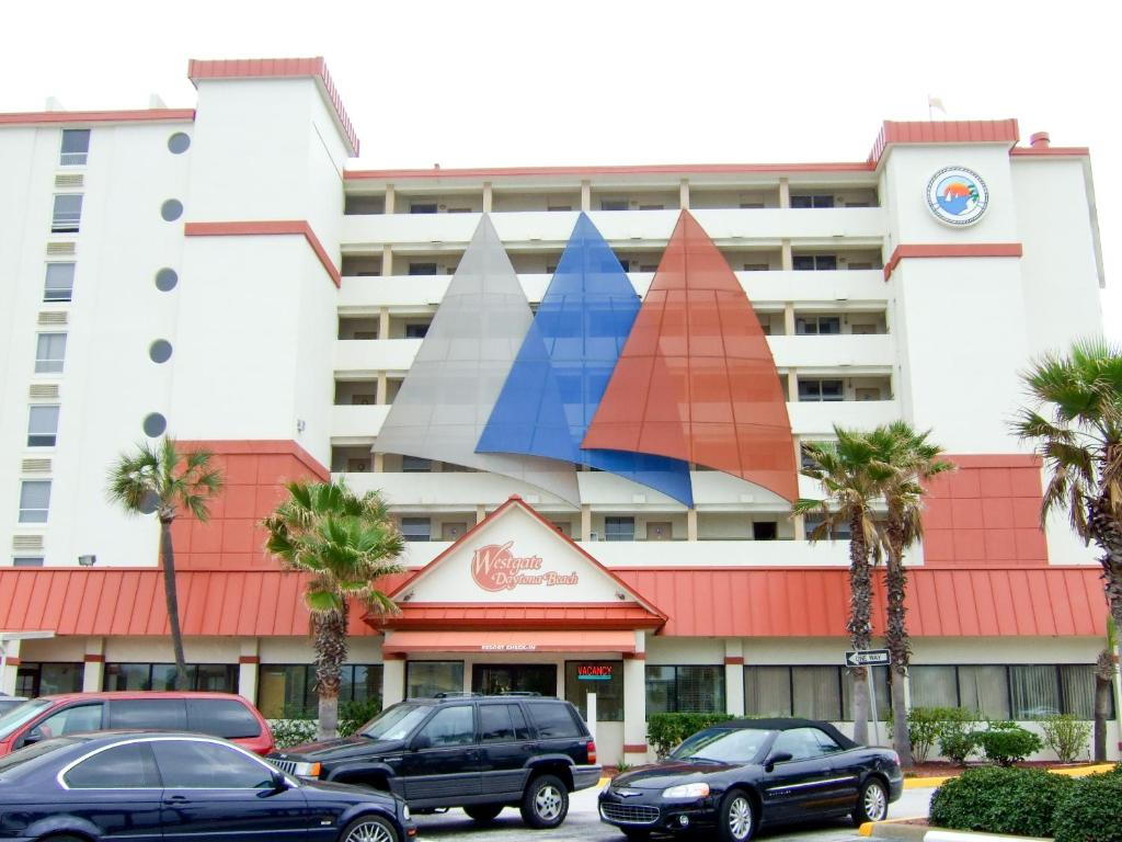 Book Now Westgate Harbour Beach Resort (Daytona Beach, United States). Rooms Available for all budgets. Located on the beach and offering full kitchens private balconies an outdoor pool and a hot tub Westgate Harbour Beach Resort is a solid choice. This eight-story hotel has 23