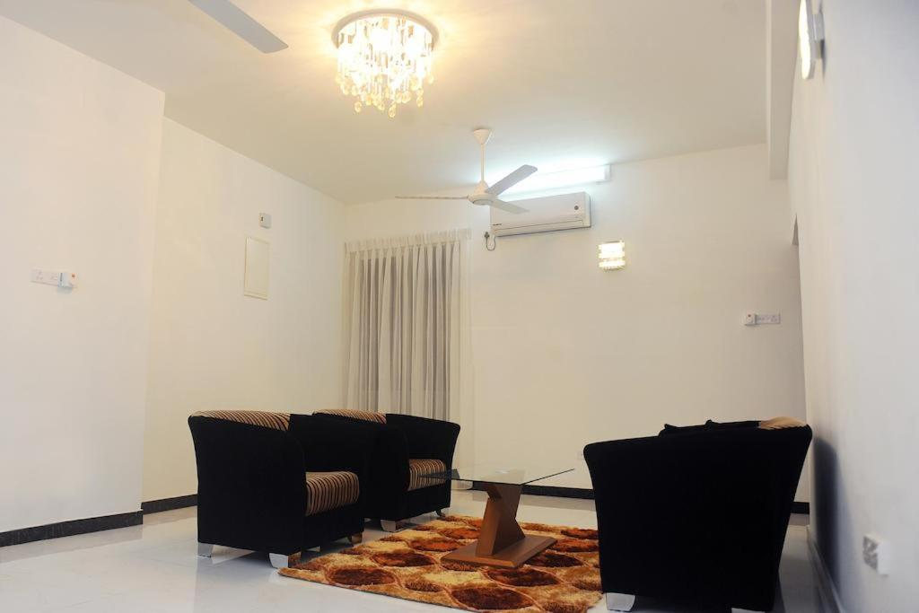 Beach Apartment at Mount Lavinia