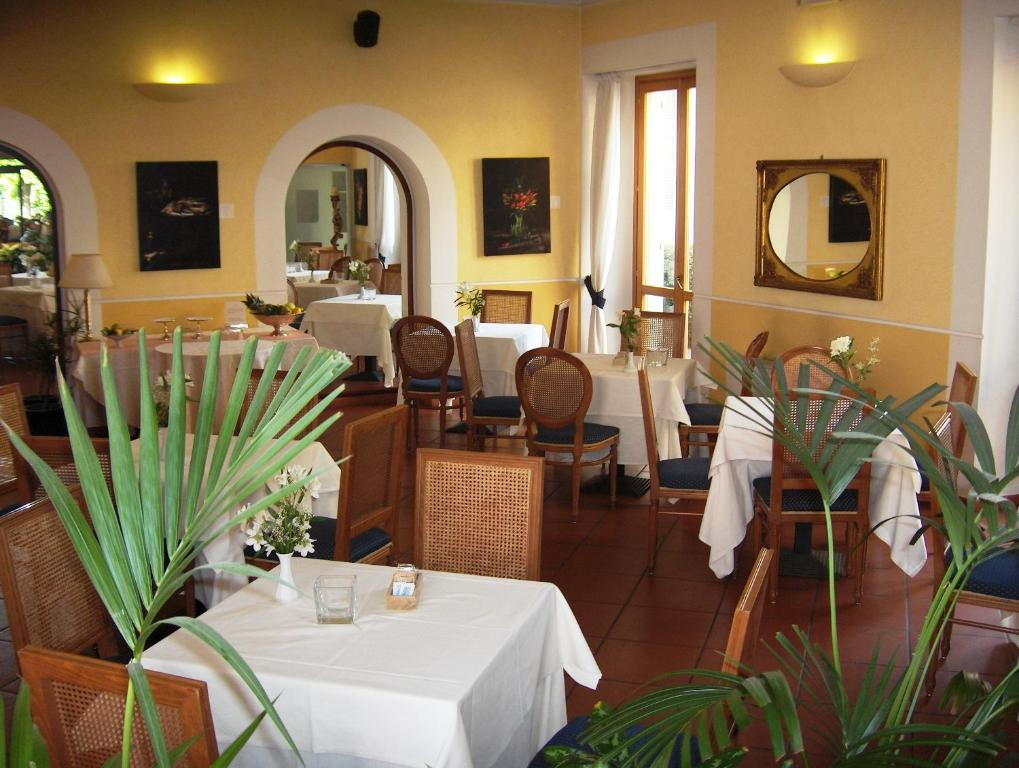Hotel Belvedere Starting From 72 Eur Hotel In Vaprio D