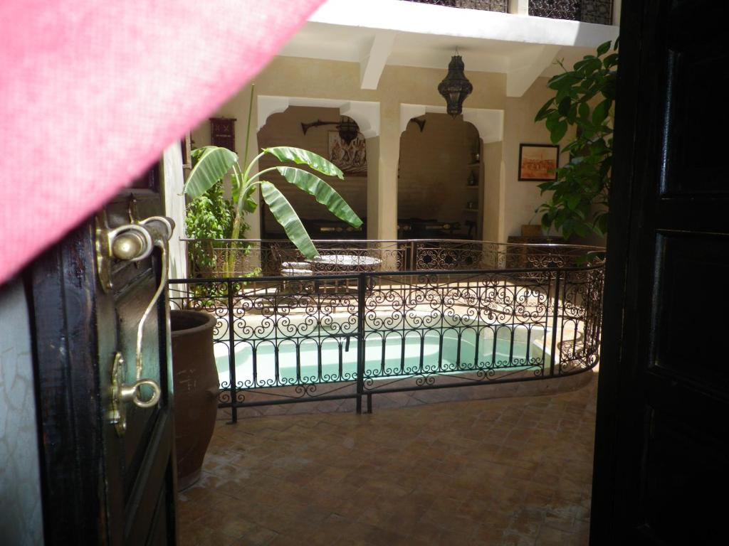 Swimming pool Riad Sharmance