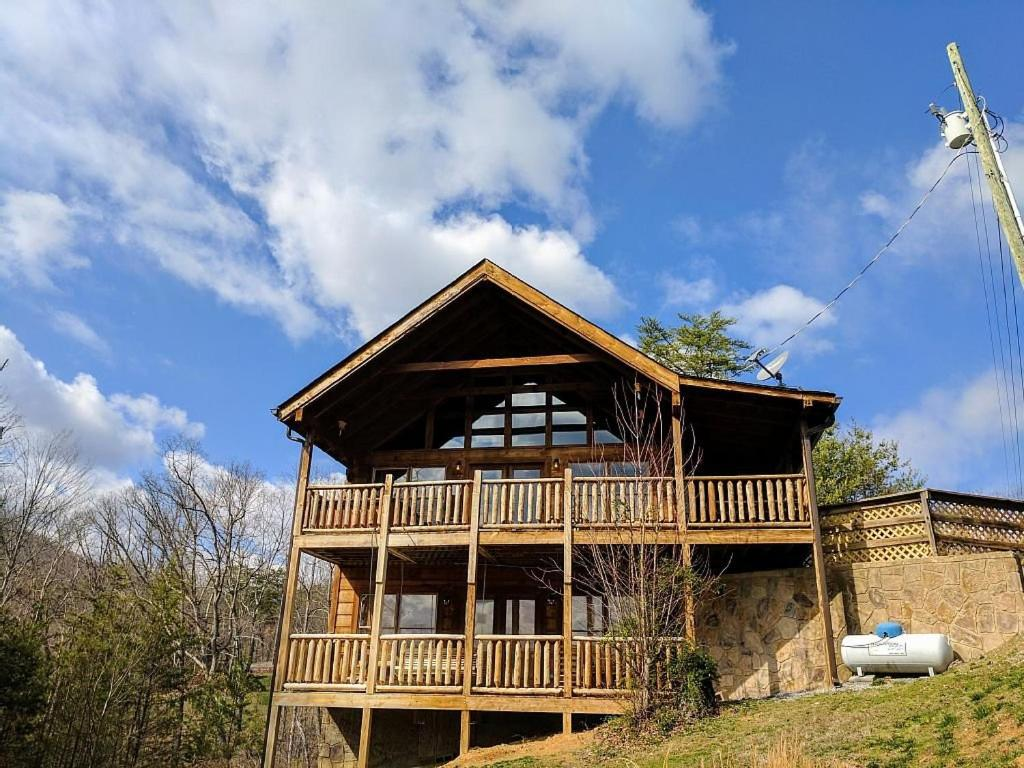 Bear View Rd Sevierville TN Cabin 1713
