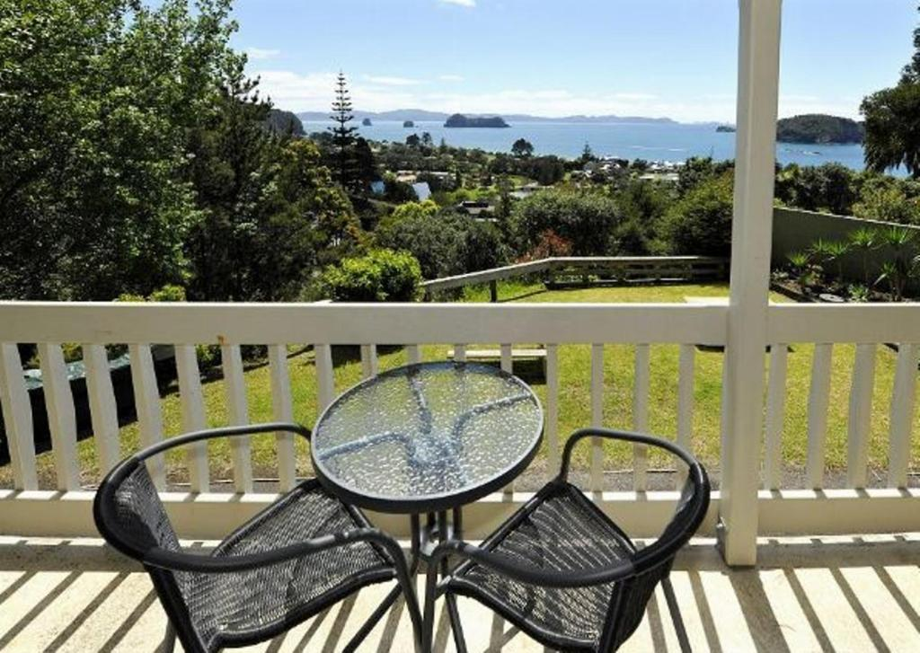 Only A 6 Minute Walk From Hahei Beach Ocean Pacific Apartments