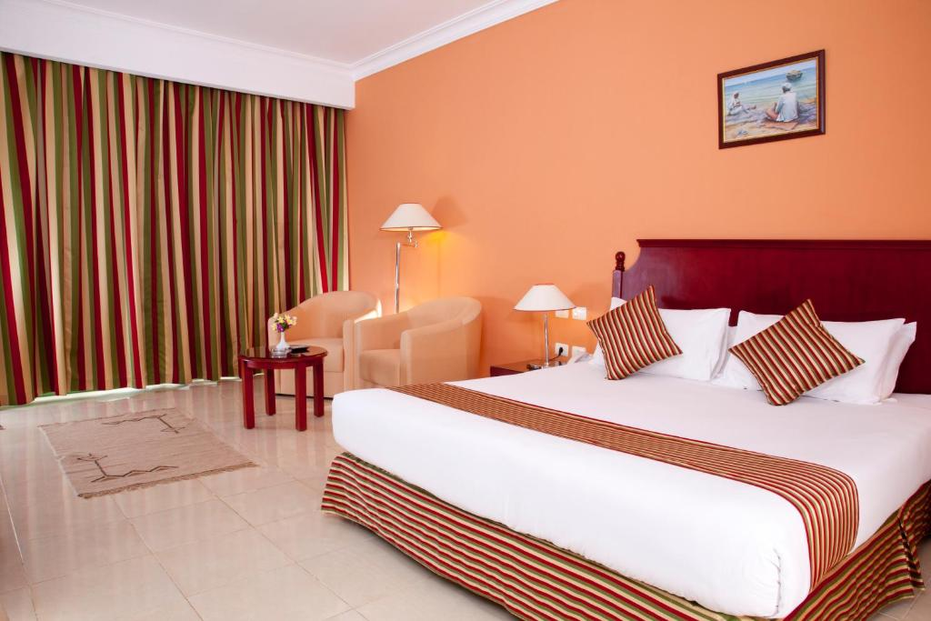Deluxe Room with Sea View - Guestroom Fantazia Resort Marsa Alam