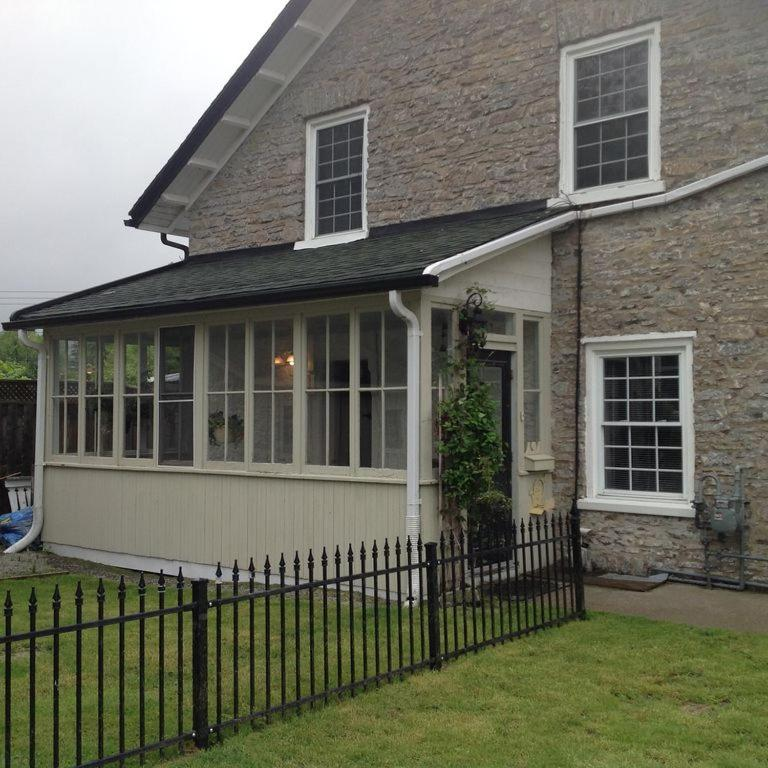 Vista exterior Stone Carriage House