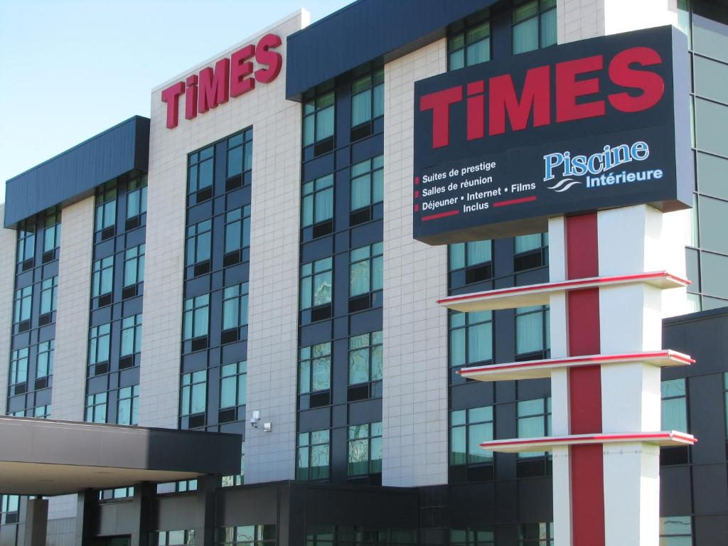 Book Now Grand Times Hotel (Quebec City, Canada). Rooms Available for all budgets. Located in Quebec City this hotel is across the street from Les Galeries de la Capitale Shopping Mall. It features an indoor pool and rooms with a 32-inch flat-screen TV.Each