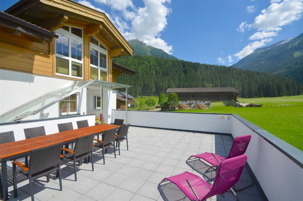 Balkon/teras Chalet Habachtal by Alpen Apartments