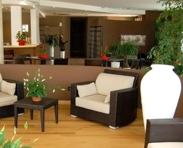 Book Now Cremona Palace Hotel (Costa Sant' Abramo, Italy). Rooms Available for all budgets. Cremona Palace Hotel is on the SS415 national road a 10-minute drive from the centre of Cremona. It offers free parking and elegantly decorated rooms with free internet and pr