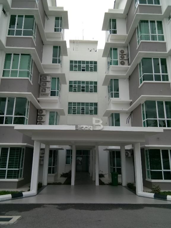 Entrance Miri Airport Avenue 4B4B Apartment