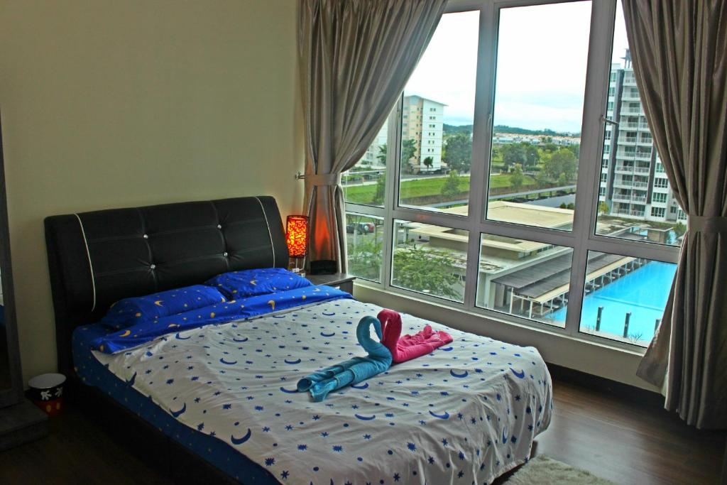 RoomStay @ Sri Utama Condominium