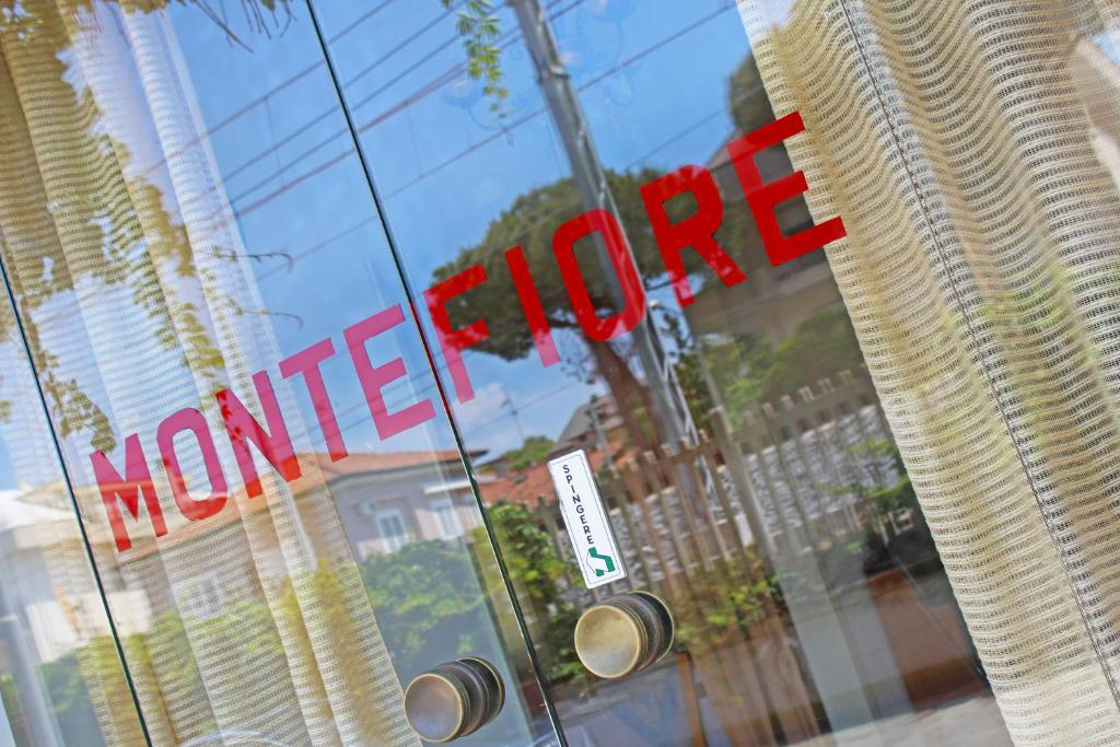 PENSIONE MONTEFIORE - Riccione Viale Luigi Rossi 5 47838