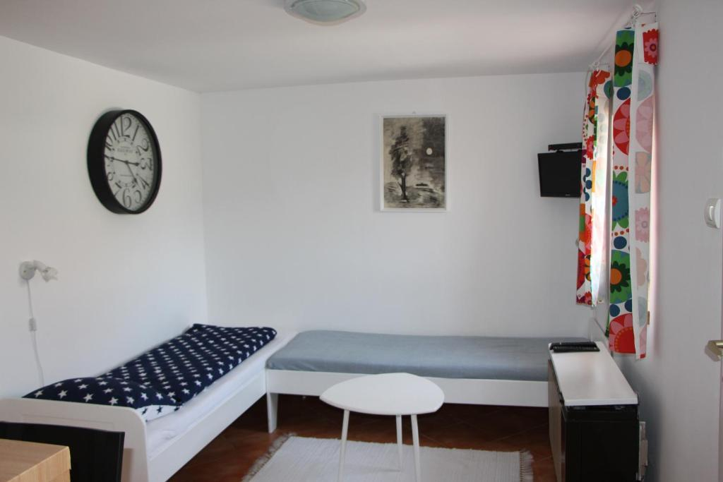 Bekijk alle 6 foto's Small House Apartment