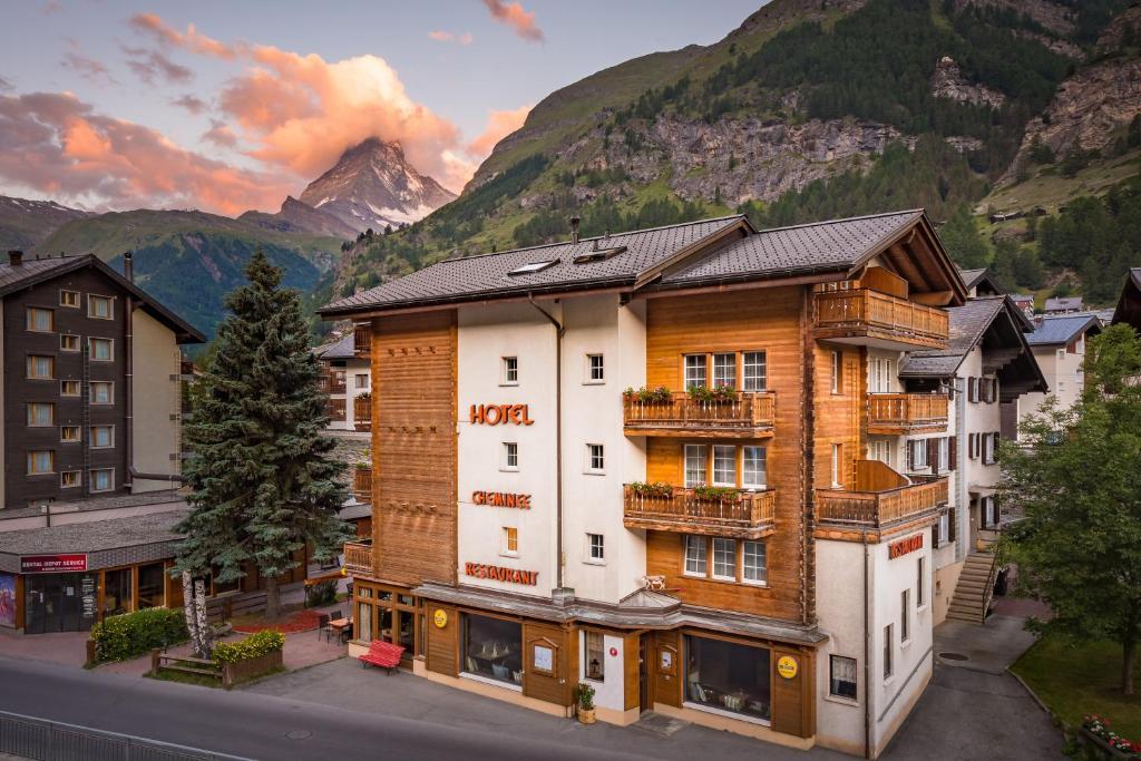 hotel cheminee in zermatt room deals photos reviews. Black Bedroom Furniture Sets. Home Design Ideas