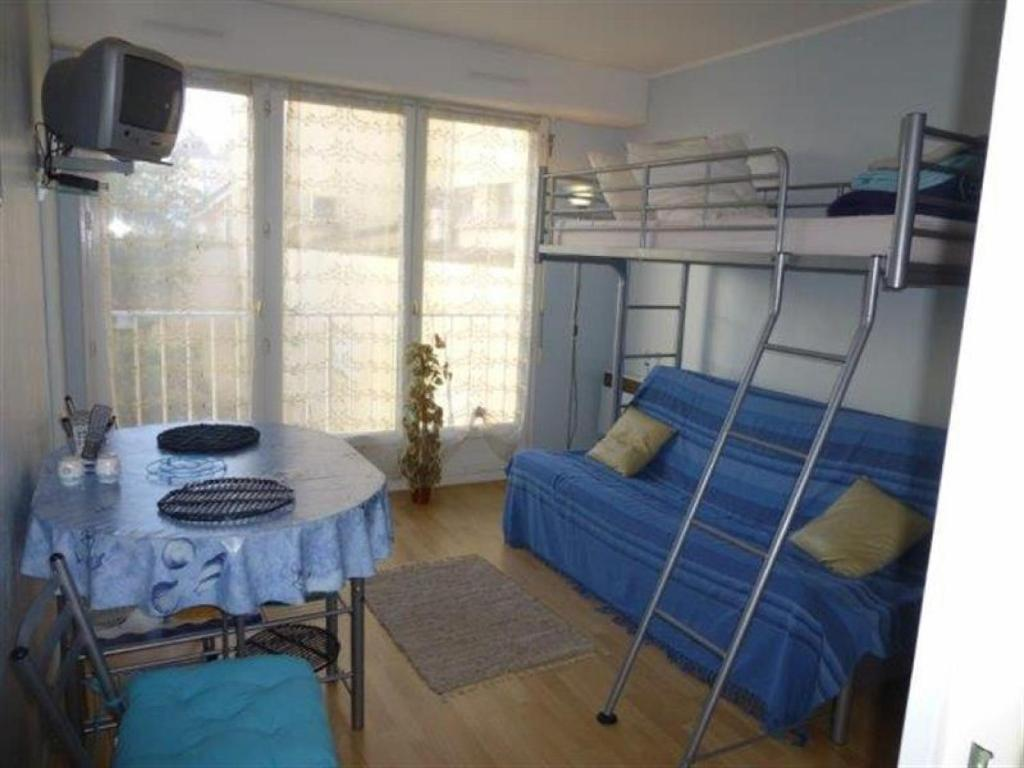 Apartment (3 Adults) Apartment Royan parc : studio résidence oceanic