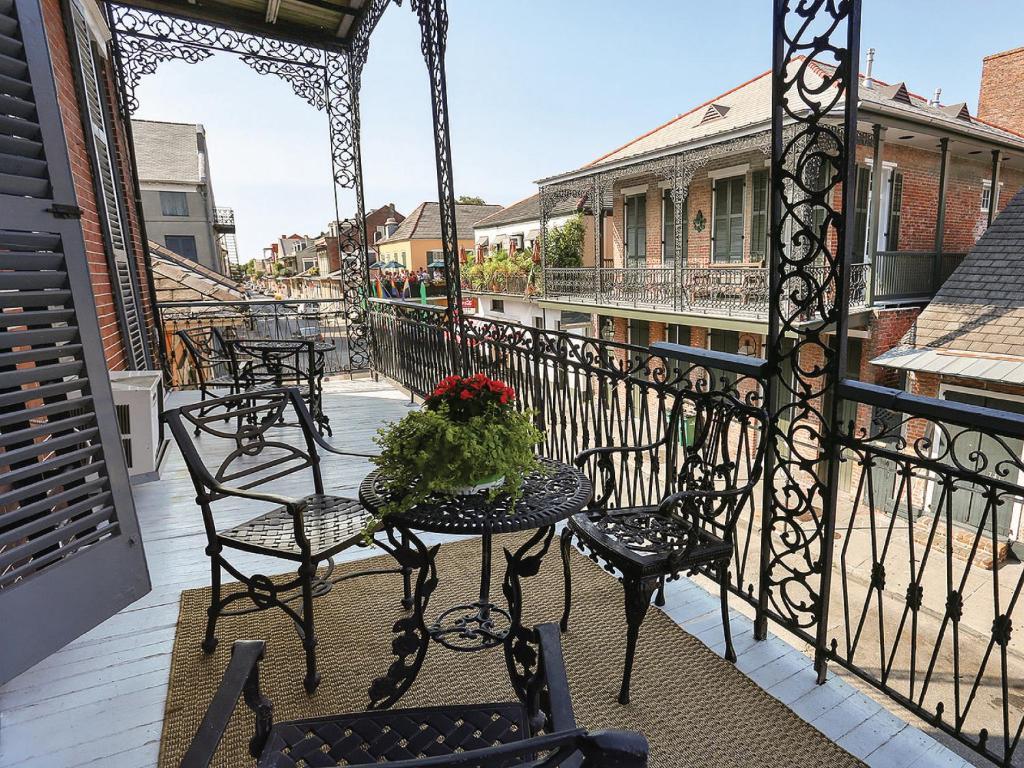 Best Price On Luxury French Quarter Mansion W Balcony #3