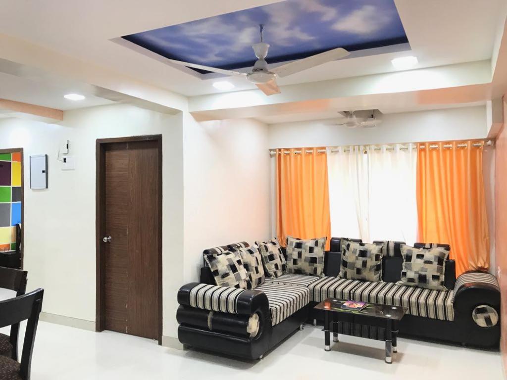Executive highrise 2 bhk services apartment