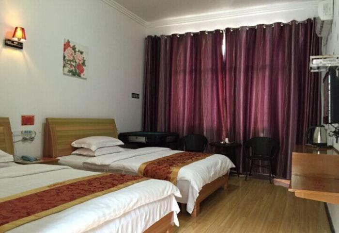 Mainland Chinese Citizen - Double Room with Two Double Beds Zhenyuan Sunny Hotel