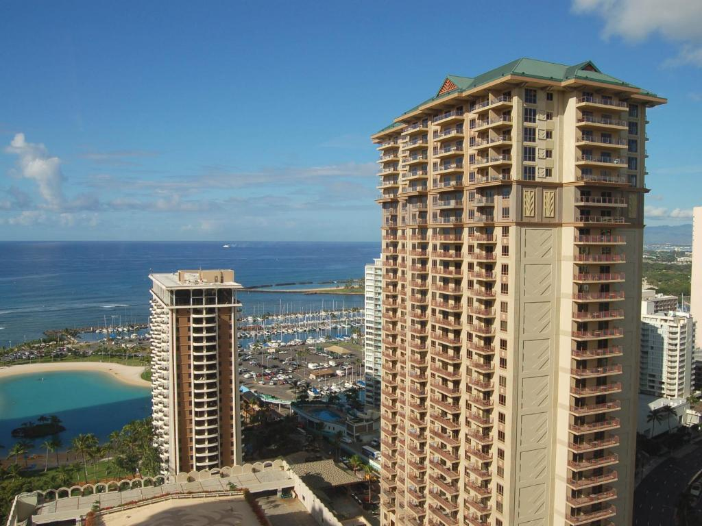GRAND WAIKIKIAN BY HILTON GRAND VACATIONS CLUB  Honolulu