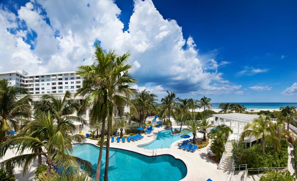 Book Now Savoy Hotel (Miami Beach, United States). Rooms Available for all budgets. The non-smoking Savoy Hotel is an all-suites property located directly on the sand that offers private beach access and two free-form pools with oceanview sun decks. The three