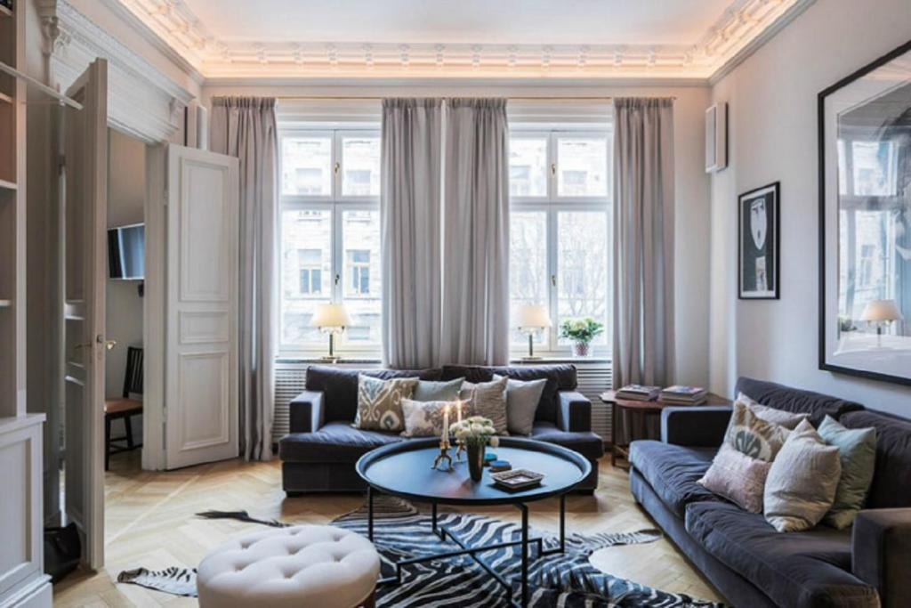 High-End Apartments - Luxury Town Hall Apartment