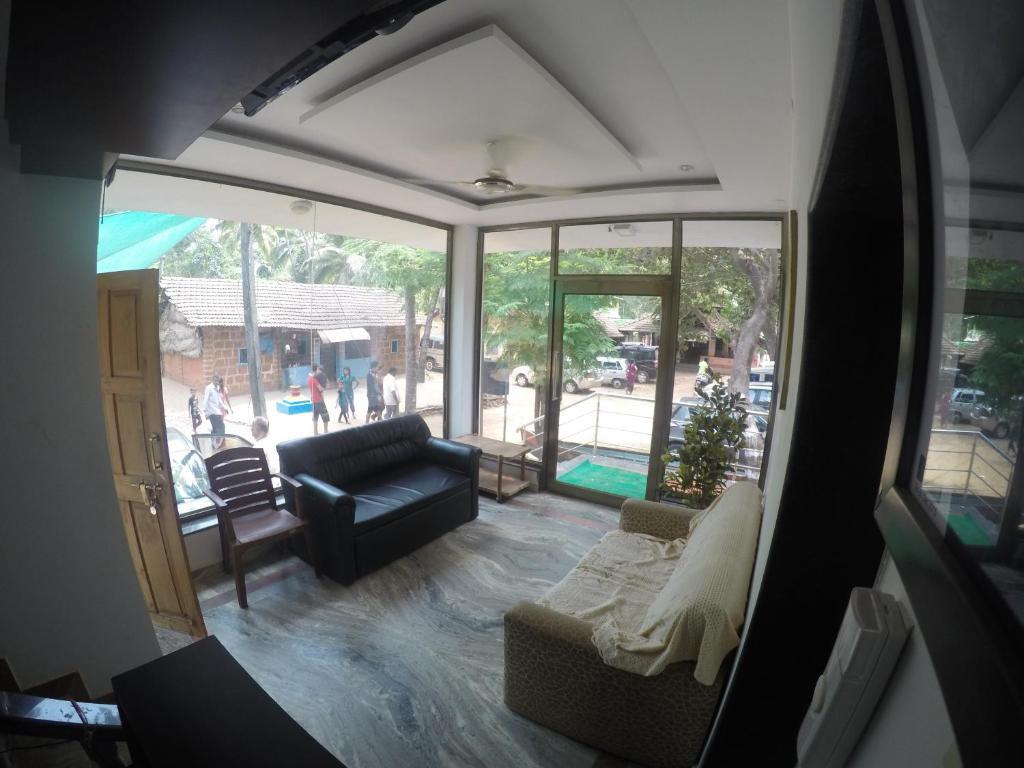 Best Price On Living Space Resort In Malvan Reviews