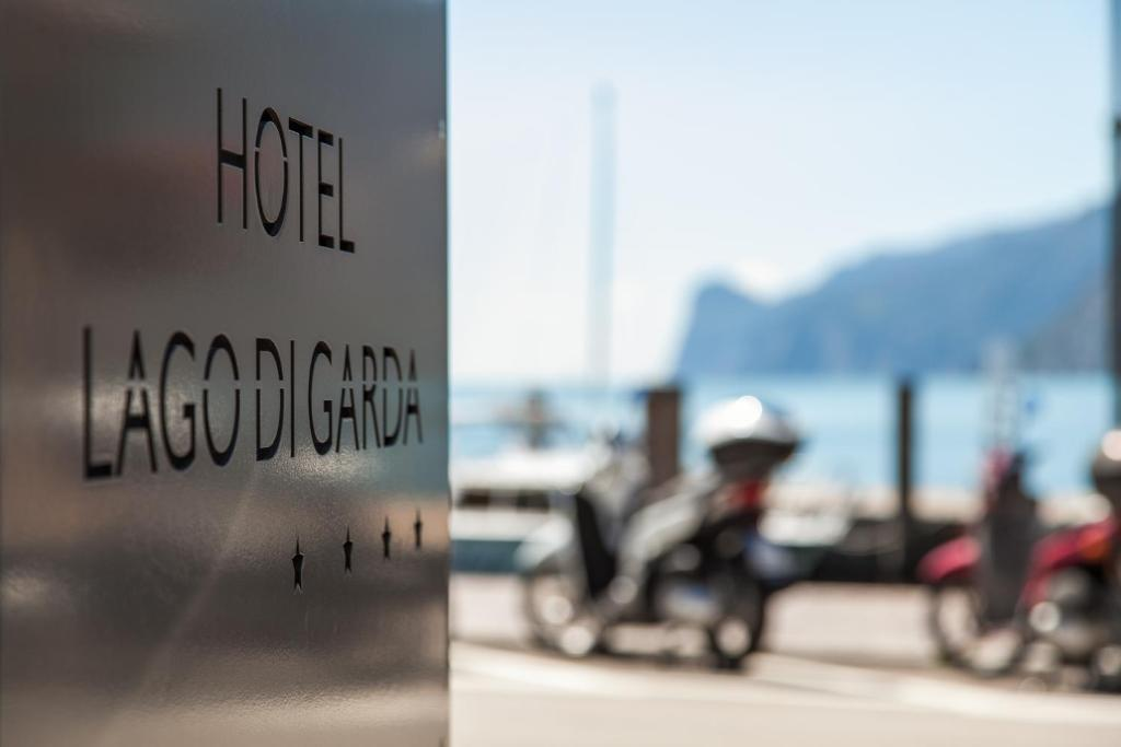 Book Now Hotel Lago Di Garda (Nago Torbole, Italy). Rooms Available for all budgets. With panoramic views of Lake Garda Hotel Lago di Garda is set in Torbole just 100 metres from the public beach. It offers a small wellness area restaurant and air-conditioned