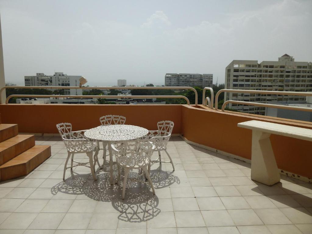 Ocean View Apartment with Jacuzzi Av. Sarasota No. 53, Bella Vista ...