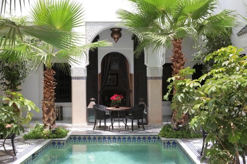 Swimming pool Riad Monceau