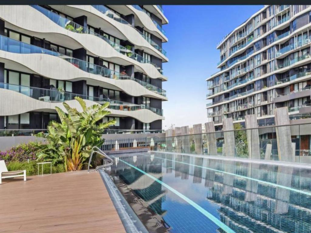 Apartment with Balcony - Swimming pool Acacia Place Abbotsford Apartment
