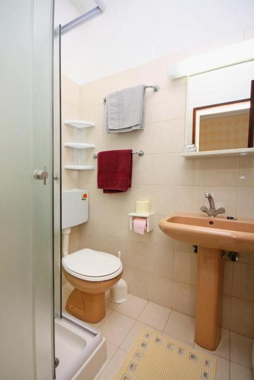 Baño Double Room Barbat 4973b